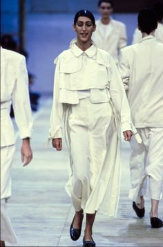 Comme des Garçons Spring 1992 Ready-to-Wear Fashion Show - Gisele Zelauy