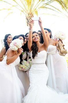 Bridesmaids Selfie! How many of these will you be taking on your wedding day? Photo: William Innes Photography