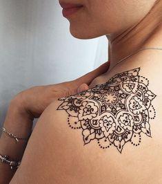 20 idee per un tatuaggio discreto e femminile