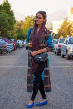 stilage_vienna_street_style_stilage_for_teheran_blue_shoes_long_brown_scarf_02