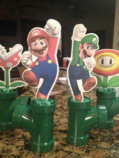 birthday party centerpieces -- or for on top of the cake! Super Mario Party, Super Mario Birthday, Mario Birthday Party, 6th Birthday Parties, Birthday Ideas, Nintendo Party, Mario Und Luigi, Party Fiesta, Birthday Party Centerpieces