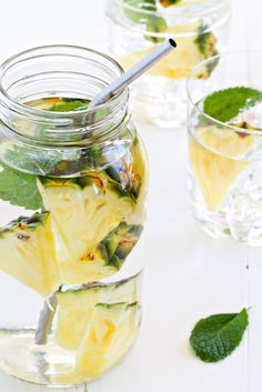 3 Infused Water Recipes That Will Make You Love Water. Every time I turn around, some news organization or another is reminding us how important drinking water is for every aspect of our health. But let's get real - drinking plain water all day every. Infused Water Recipes, Fruit Infused Water, Fruit Water, Infused Waters, Mint Water, Spa Water, Detox Recipes, Smoothie Recipes, Healthy Recipes