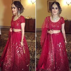 Get the new collection of lehenga chunni online. Enhance your beauty with the latest collection of lehenga choli, lehenga chunni designs, images online. Indian Wedding Outfits, Bridal Outfits, Indian Outfits, Indian Clothes, Lehenga Chunni, Bridal Lehenga, Saree, Indian Attire, Indian Wear