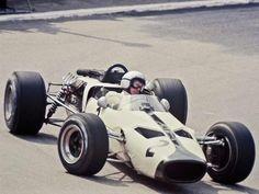 1966 Bruce McLaren, McLaren-Ford M2B 135