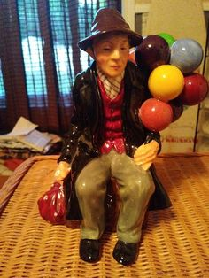 Royal Doulton  The Balloon Man  HN 1954 Figure Statue Made In England