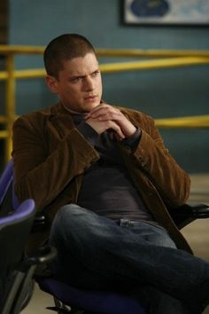 Still of Wentworth Miller in Prison Break as Michael Scofield, great tv, show, portrait, photo Michael And Sara, Michael Miller, Dc Comics Tv Series, Michael Schofield, Wentworth Miller Prison Break, Leonard Snart, Essay About Life, Dominic Purcell, Like A Storm