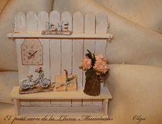 """El petit mon de la Lluna. Miniatures.: Hortensias rosas.. en jarrón de """"zinc""""..."""