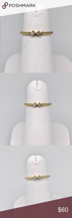 .10 ctw diamond ring 14 k yellow gold .10 ctw real diamonds in a 14 karat yellow gold with 2 diamonds .05 points each for a total carat weight of .10 Great pinky ring or youth ring. Jewelry Rings
