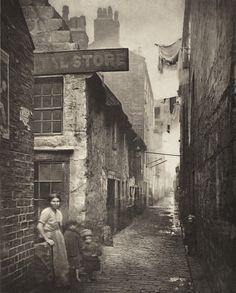 Old Vennel off High Street, Glasgow, Scotland, 1868, photograph by Thomas Annan.