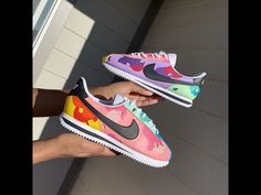 Fruit Loops Cortez by ᴄʀᴇᴀᴛᴇ ʏᴏᴜʀ ᴠɪsɪᴏɴ Teen Swag Outfits, Outfits With Hats, Fruit Sketch, Jordan 13 Black, Air Max 90 Leather, Unicorn Themed Birthday, White Nike Shoes, Desert Camo, Pink Nikes