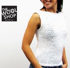 Gabbiano is a sleeveless top, knitted with a made in Italy, soft tape. An opening on the back gives it a sexy style.