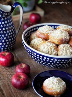 Kynuté koláče s jablky – PĚKNĚ VYPEČENÝ BLOG Food Styling, Cereal, Baking, Breakfast, Apples, Blog, Recipes, Autumn, Eat