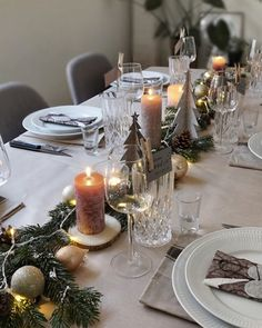 Juleborddækning natur Tablescapes, Table Decorations, Christmas, Home Decor, Wreaths, Table, Nature, Xmas, Decorations
