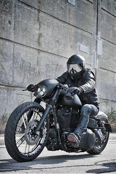Harley Street Bob biker #harleydavidsoncustommotorcyclesiron883