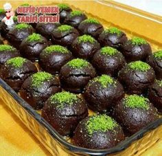 Brownies und Kekse-Rezept - Yemek Tarifleri - Resimli ve Videolu Yemek Tarifleri Brownie Recipes, Cookie Recipes, Snack Recipes, Dessert Recipes, Sweet Recipes, Turkish Recipes, Indian Food Recipes, Choco Truffle, Pudding Cake