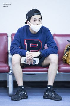 Image discovered by messyrfd. Find images and videos about kpop, Hot and exo on We Heart It - the app to get lost in what you love. Kim Minseok Exo, Exo Ot12, Exo Xiumin, Airport Style, Bts Airport, Airport Fashion, Kpop Fashion, Xiuchen, Kim Min Seok