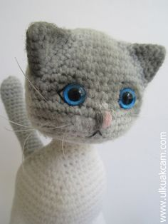 PATTERN DEAL Buy 4 get 1 free !! You can order any 4 pattern and get 1 free ... Please advise your choise when purchasing. -------------------------------------------------------------  Amigurumi Jointed Cat..  She can look anywhere she want with her jointed head.   Her head is crocheted with two colors and shaded with amigurumi pencils.  This listing is for an amigurumi pattern, not the finished toy.  The finished cat is approximately 10 (25cm) tall.(including the tail)  Crochet pattern in…