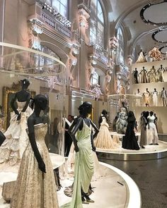 A @dior moment captured by @martineassouline  The exhibition opens today at the Musée des Arts Décoratifs de Paris to celebrate the brand's 70 year anniversary along with our collection of 7 #Dior books reflecting on every of its Couturier since the New Look.