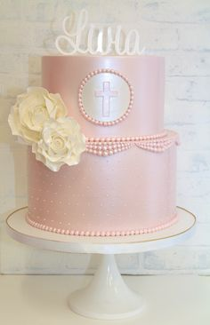 A first holy communion or confirmation is a special and memorable time in your child's life. Celebrate with a cake to mark the holy occasion that will be remembered for a life time. Baby Girl Christening Cake, Girl Baptism Party, First Holy Communion Cake, Chevron Cakes, Confirmation Cakes, Girl Cakes, Cupcakes, Child, Desserts