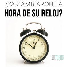 ¿Ya cambiaron la hora de su reloj? Si quieren saber la hora oficial en donde viven revisen esta liga http://entorno.co/1IASfEY  #CambioDeHorario