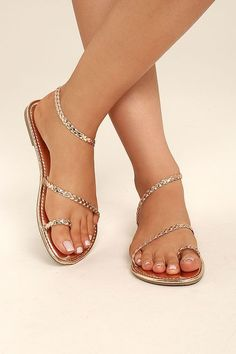 The Mirela Rose Gold Flat Sandals are more than worthy of admiration Metallic braided vegan leather forms a toe loop plus two more straps that cross the vamp and wrap aro. Gold Flat Sandals, Cute Sandals, Cute Shoes, Me Too Shoes, Rose Gold Sandals, Boho Sandals, Braided Sandals, Sexy Sandals, Gladiator Sandals