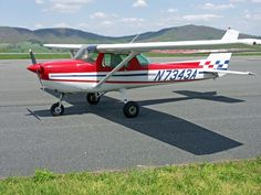 Cessna 150. I had a great opportunity once to fly this type of plane...it was awesome!!!