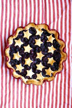 pie, berry pie, Patriotic pie, U. 4th Of July Desserts, Just Desserts, Delicious Desserts, Dessert Recipes, Yummy Food, Pie Dessert, Patriotic Desserts, Dessert Ideas, Holiday Treats