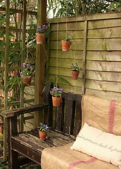 Love the hanging pots!