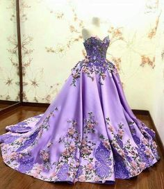White Ivory Lace Flower Girl Dresses 2017 Tank Long Girls First Communion Dress Pagaent Dress vestidos primera comunion 2016 from Reliable dresses plus size girls suppliers on Bright Li Wedding Dress Beautiful Gowns, Beautiful Outfits, Pretty Outfits, Pretty Dresses, Quinceanera Dresses, Prom Dresses, Fairytale Dress, Purple Dress, Purple Ballgown