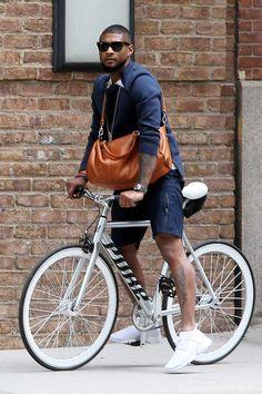Celebrity Bike Style & Naomi Watts, Alexa Chung, Candice Swanepoel on Bikes The post 18 Celebs Who Bike in Style appeared first on Trendy. Velo Retro, Urban Bike, Urban Cycling, Cycle Chic, Road Bike Women, Bicycle Maintenance, Bike Seat, Bike Style, Naomi Watts