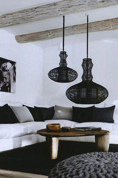 tendance luminaires 2016 salon canapé blanc coussins noirs