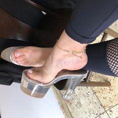 Beautiful Toes, Gorgeous Heels, Lovely Legs, Thigh High Heels, Hot High Heels, High Heels Stilettos, Luanna, Pantyhose Heels, Girls Heels
