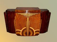 One-of-a-kind Art Deco furniture, lighting or wall decorations create stunning centerpieces that add drama and art to exclusive, beautiful and modern interior decorating. Art Deco Bar, Arte Art Deco, Estilo Art Deco, Art Deco Design, Bar Art, Wood Design, Art Furniture, Modern Furniture Stores, Design Furniture