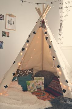 Love this tipi as a reading nook in a kiddos bedroom or playroom. Reading Corner Classroom, Corner Nook, Childrens Reading Corner, Book Corner Ideas Bedroom, Reading Nooks For Kids, Bedroom Ideas, Kids Corner, Reading Books, Kids Reading Corners
