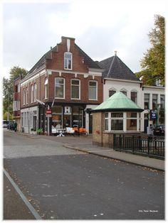 Het brugwachters huisje aan het Lage der A.