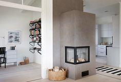 KANNUSTALO - MESSUTALOT 2011 - Helmi - Sisustus Fireplace Mantels, Fireplaces, Bookcase, Helmet, New Homes, Cottage, Black And White, Living Room, Mantel Ideas