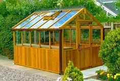 DIY Greenhouse | DIY Greenhouse Designs Ideas Plans & Pictures #greenhousefarming