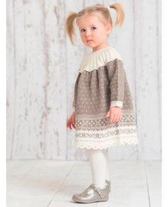 Bilderesultat for dale garn oppskrifter herre Girls Dresses, Flower Girl Dresses, Kids And Parenting, Baby Knitting, Sarees, Knit Crochet, Wedding Dresses, Children, Crocheting