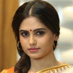 Beautiful Girl Indian, Beautiful Saree, Most Beautiful Women, India Beauty, Asian Beauty, Actress Anushka, Cute Beauty, Girl Face, Indian Actresses