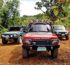 "433 curtidas, 4 comentários - Above & Beyond (@landrover_ph) no Instagram: ""My new parking space.. #dirtysouth #landrover #landrover_ph #onelifeliveit #best4x4xfar #defender…"""