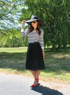 sun hat summer 2014, summer fashion, tulle skirt, stripes, red pumps, red lipstick, sunglasses, hat  www.highheelstosneakers.com
