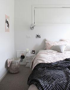 T.D.C | Linen bedding by @cultivergoods + Silk throw by Penney + Bennett