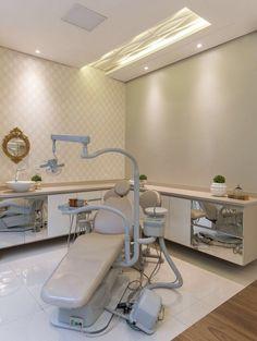 Consultório odontológico, projeto de Carol Cantelli. Confira no blog