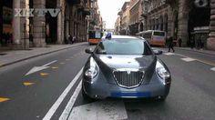 Nuovi politici, vecchie abitudini: mentre il ministro Riccardi, candidato con Monti, parlava di grandi novità nella politica italiana, la sua auto era parcheggiata in mezzo a via Venti #Genova