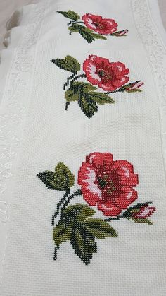 This Pin was discovered by Hul Small Cross Stitch, Cross Stitch Rose, Cross Stitch Borders, Cross Stitch Flowers, Cross Stitching, Cross Stitch Embroidery, Funny Cross Stitch Patterns, Cross Stitch Designs, Cross Stitch Quotes
