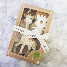Sophie la girafe + chewing rubber set! Great gift for new mommies! www.sophiethegiraffe-usa.com