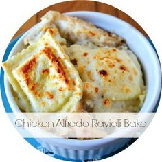 If you like Italian food, you're going to fall in love with this Chicken Alfredo Ravioli Bake. It's so much cheaper than going out to eat at a restaurant, but it tastes just as authentic. Made with ro(Bake Ravioli Casserole) I Love Food, Good Food, Yummy Food, Ravioli Bake, Ravioli Casserole, Corn Casserole, Italian Dishes, Italian Recipes, Pasta