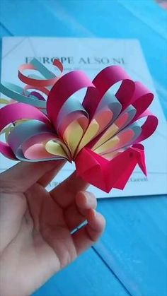 Paper Flowers Craft, Quilling Paper Craft, Paper Crafts Origami, Diy Crafts For Gifts, Paper Crafts For Kids, Flower Crafts, Preschool Crafts, Handmade Crafts, Fun Crafts