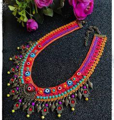 Günaydınn keyifli haftasonlarımız olsun 🙏😘😘😘🌺💙💙💙💙💙💙💜💚💕🍀🙏😘😘📿💜tarzkadinlar#firuzdesing#etnikkolye💃📿📿🌺💕💕 #instamag #colorfull #happynewyear… Bead Crochet, Crochet Lace, Crochet Necklace, Beaded Necklace, Crochet Accessories, Jewelry Accessories, Handmade Jewelry, Diy Jewelry, African Jewelry