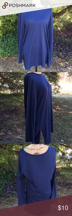 Size XL Banana Republic tunic Cute Banana Republic tunic.  Would be great with leggings.  More of a navyish blue but I could not get the true colors to come out.  Great used condition!   I offer a 10% discount on bundles of two or more items! Banana Republic Tops Tunics